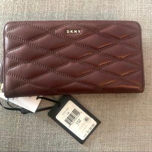 NWT DKNY Full Zip Wallet
